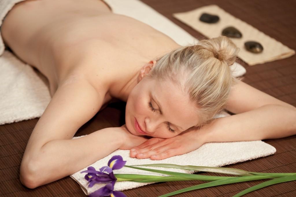 yoga_koeln_ayourveda_massage_entsaettigt-2